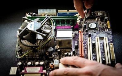 Składamy komputer PC z podzespołów. O czym należy pamiętać? Jak wybrać najlepsze podzespoły?