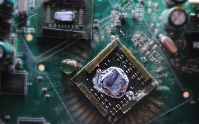 Jak nakładać pastę termoprzewodzącą na procesor?