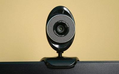 Jak wyłączyć kamerę internetową i czy to jest konieczne?